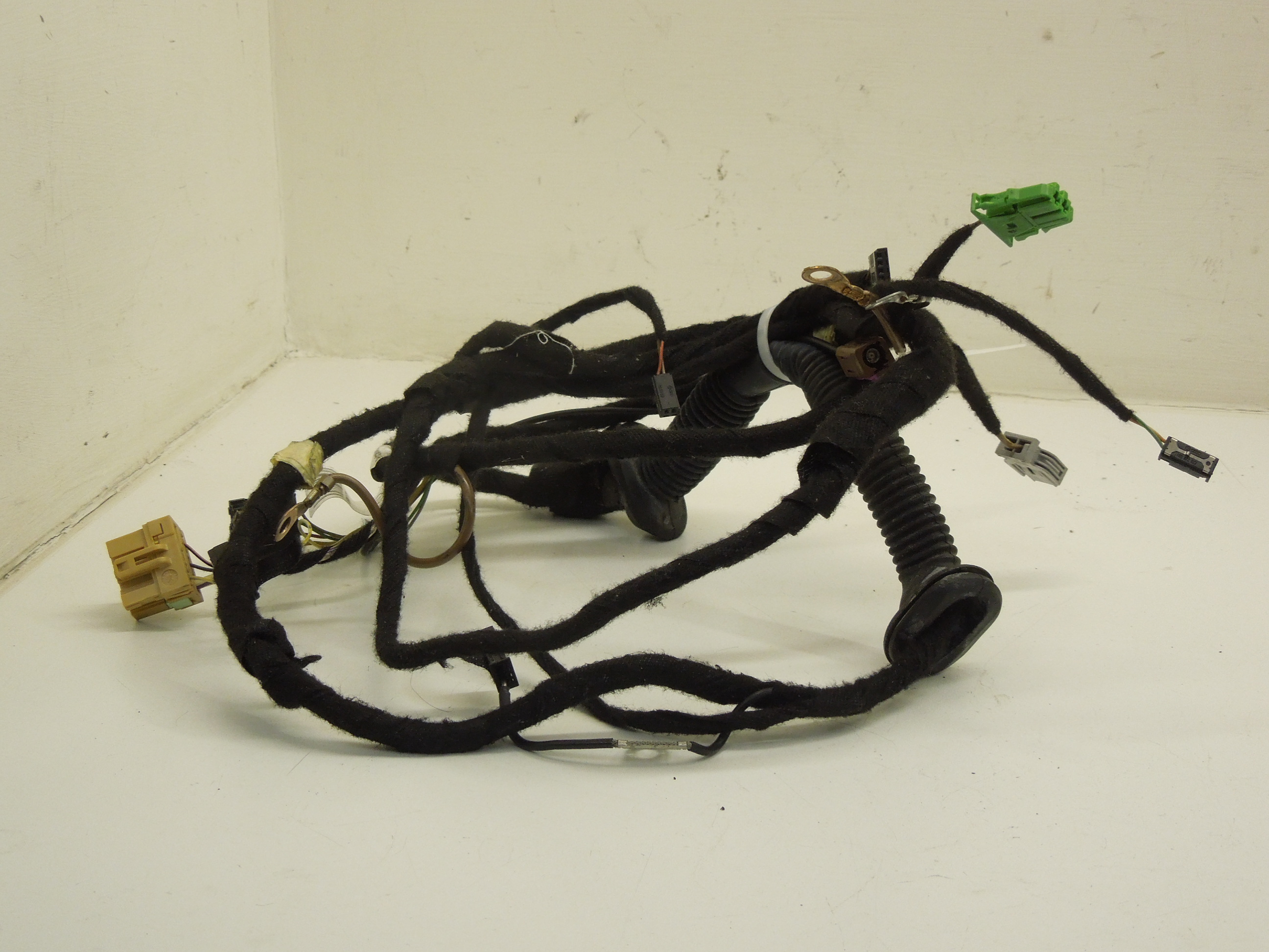 Audi A4 B6 Rear Ns Left Wiring Loom Harness For Tailgate