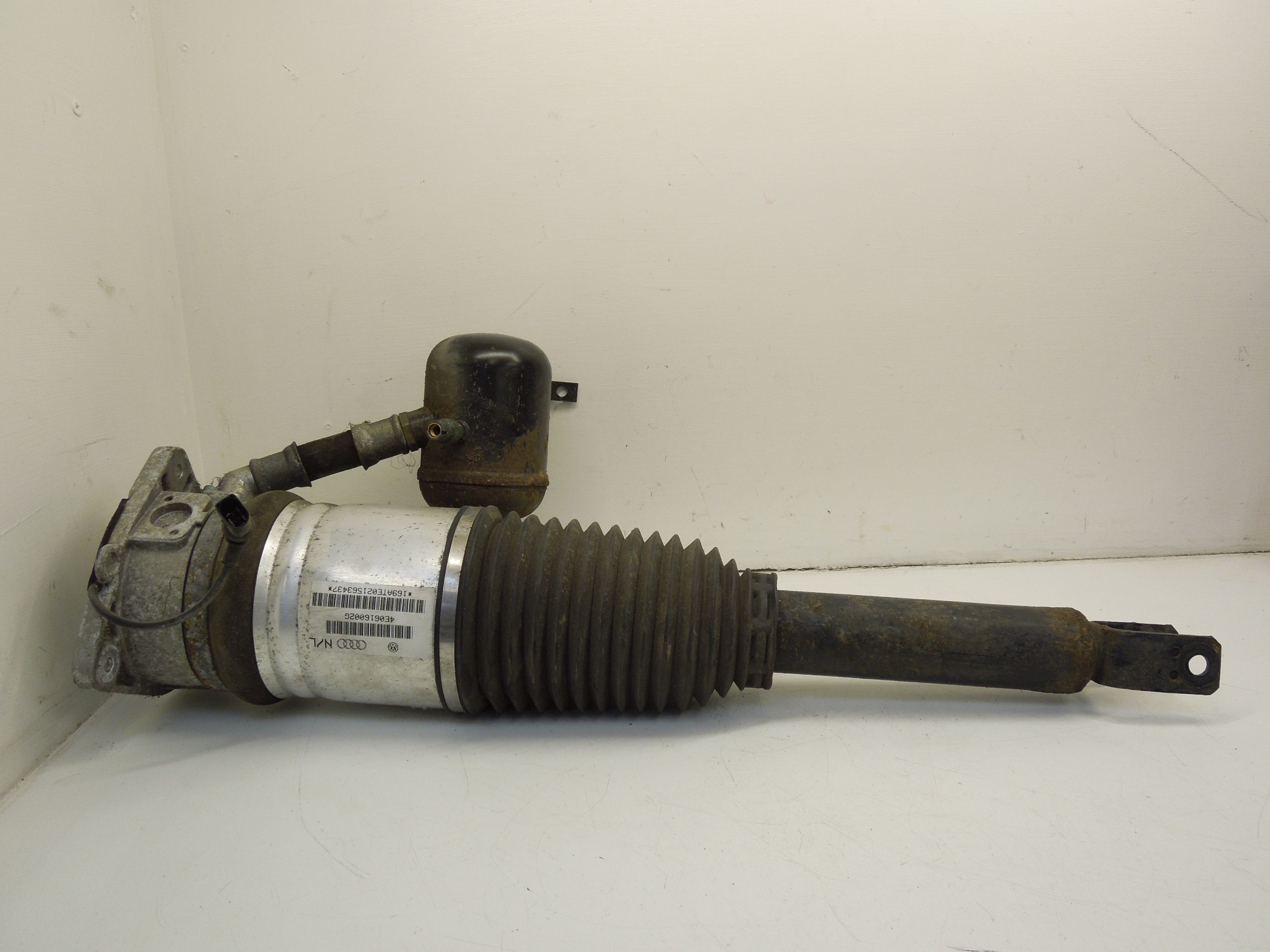 Audi-A8-D3-OS-Right-Rear-Air-Spring-Shock-Assembly-4E0616002G
